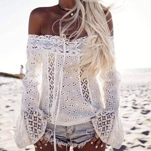 NWT 🌴 WHITE LACEY OFF SHOULDER BLOUSE TOP S M L